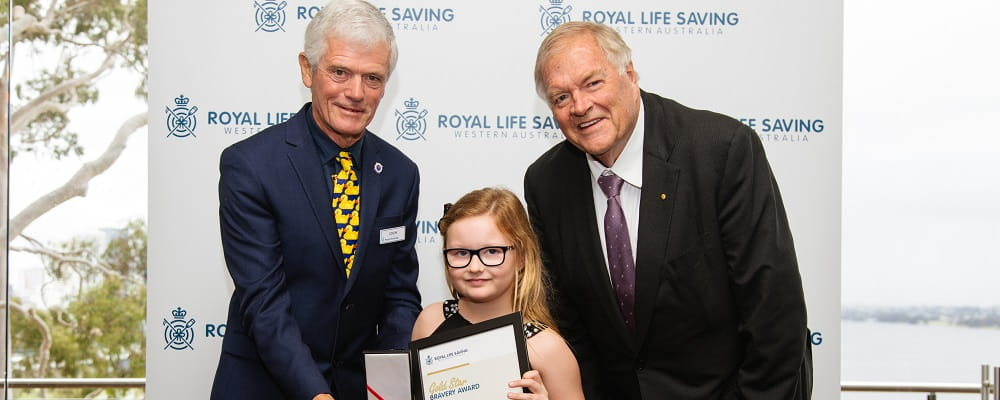 Mackenzie Summers receiving Bravery Award