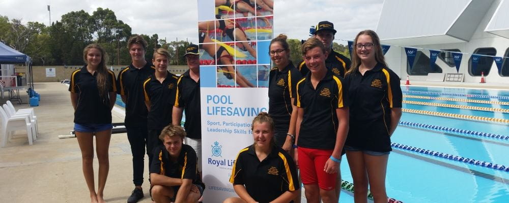 WA's Pool Lifesaving team for the 2016 National Championships standing by the pool